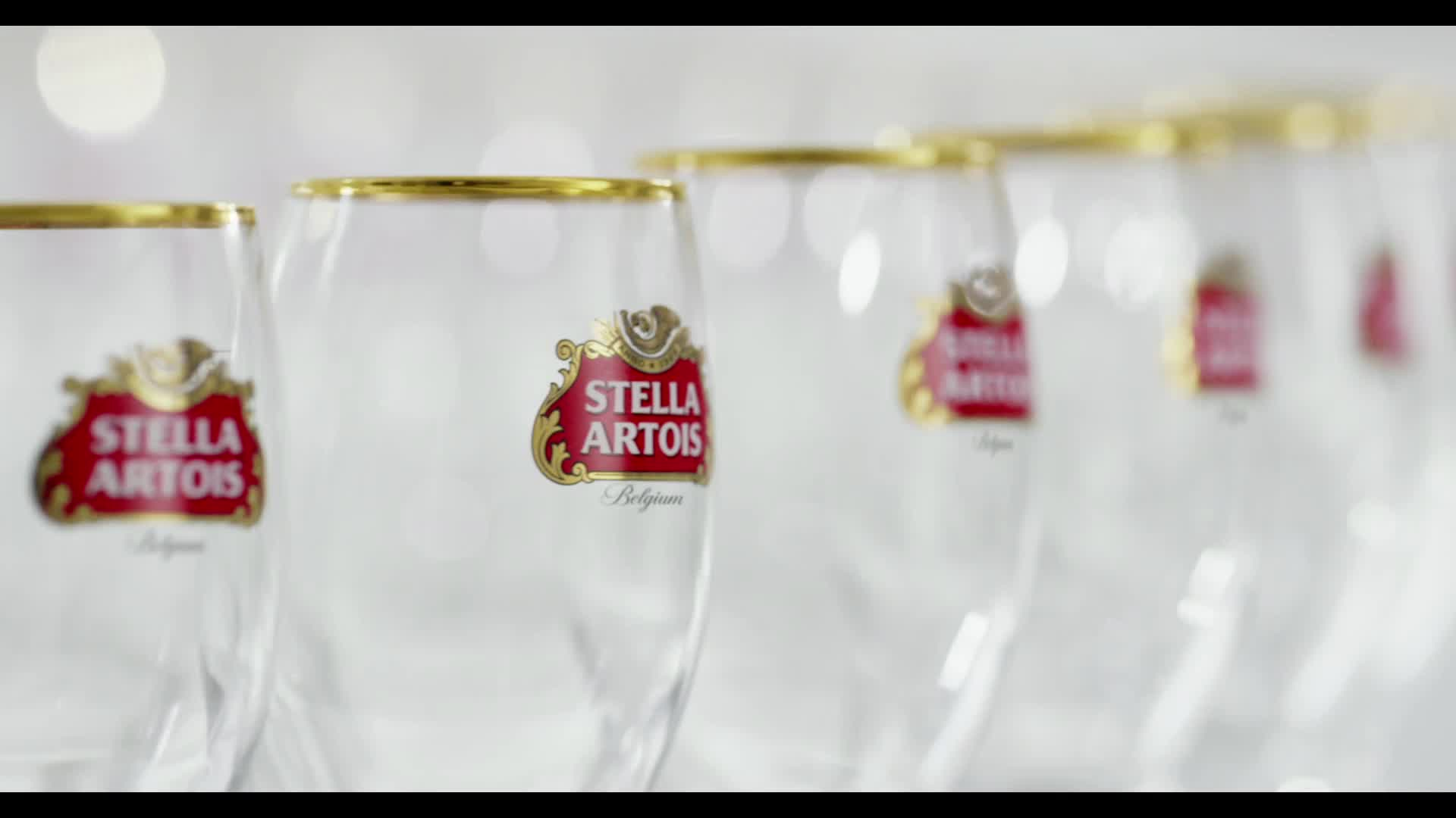 Stella Artois joins forces with Water.org and Co-Founders Matt Damon and Gary White to call on consumers to leave a mark and help end the global water crisis.