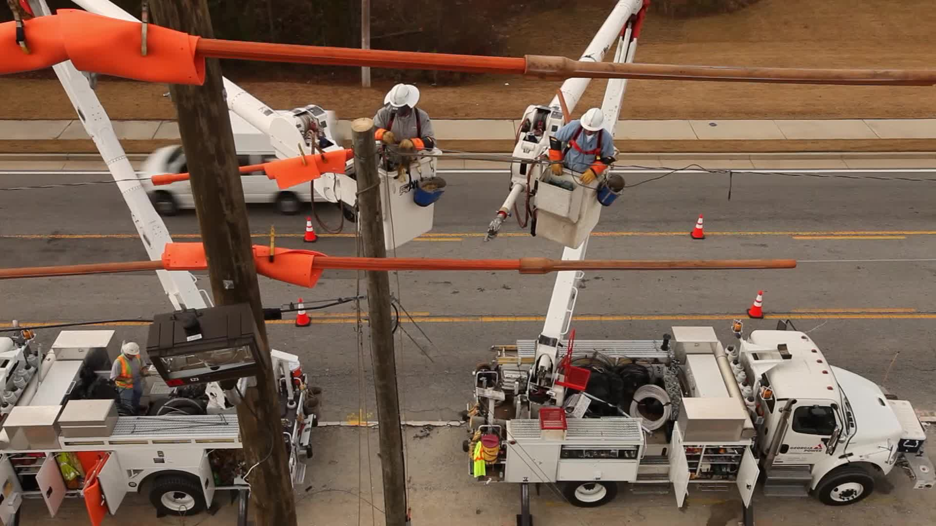 Georgia power linemen work in challenging conditions across the state