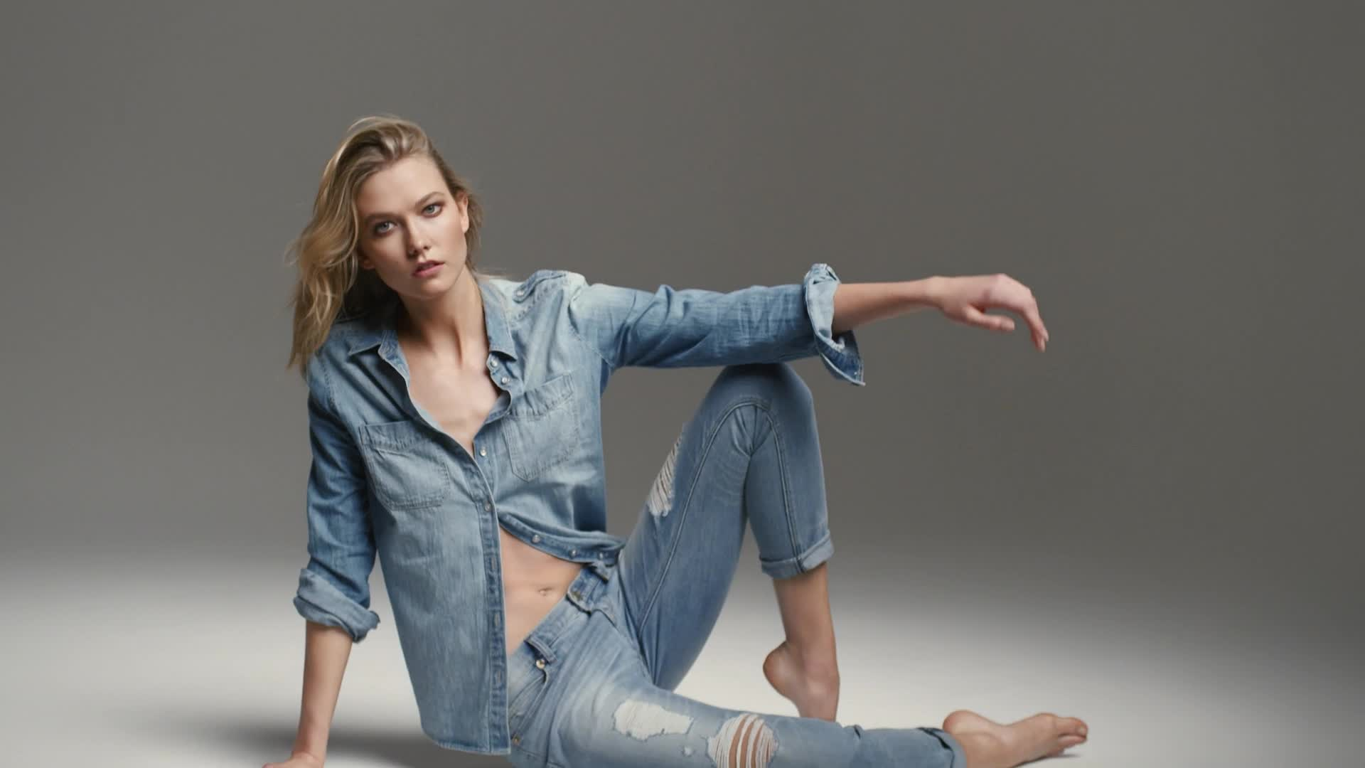 Karlie Kloss is the New Face of EXPRESS 'Fit for You' Denim Campaign