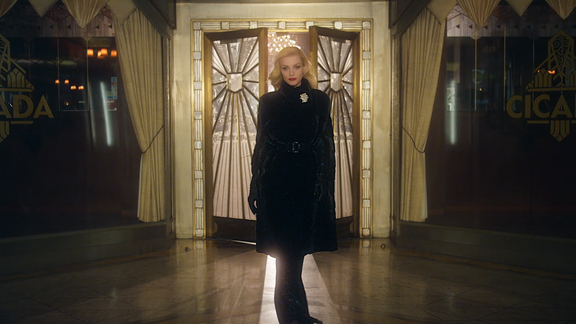 Blackglama Fall 2015 Advertising Campaign Video with Jessica Stam