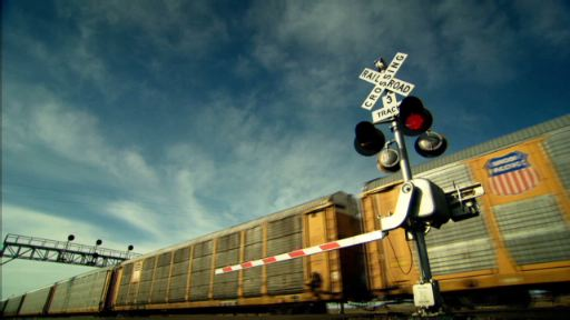 Visit CuidadoConElTren.com for railroad safety tips.